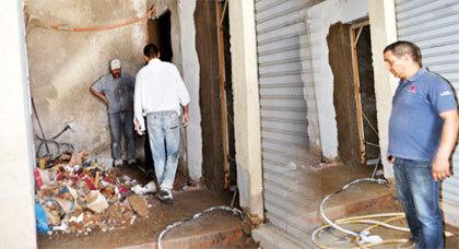 صاحب محلين تجاريين بإحدى القيصاريات بزايو يشتكي تغيير معالم البناية