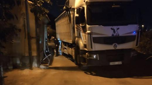 وفاة رضيع مغربي بعدما دهسته شاحنة بإسبانيا