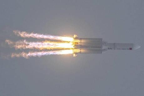 """مؤسسة أميركية تتوقع سقوط الصاروخ """"الصيني التائه"""" فوق دولة عربية"""