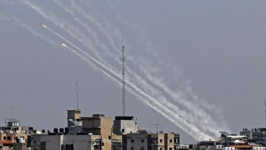 """""""القسام"""" تستهدف إسرائيل بـ137 صاروخا في 5 دقائق"""