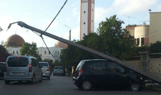 اصطدام سيارة بعمود كهربائي يحول فرحة العيد إلى مأتم