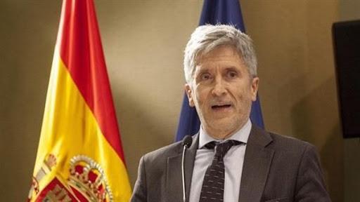 وزير الداخلية الإسبانية يتخوف من انتقال الأزمة إلى مليلية