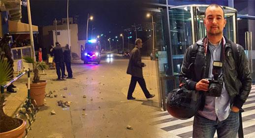 """اصابة مصور """"ناظورسيتي"""" محمد العبوسي أثناء مواجهات بالحجارة بين مهاجرين وقوات الأمن بمعبر مليلية المحتلة"""