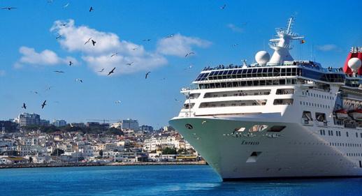 اسبانيا تفتح موانئها أمام السفن السياحية