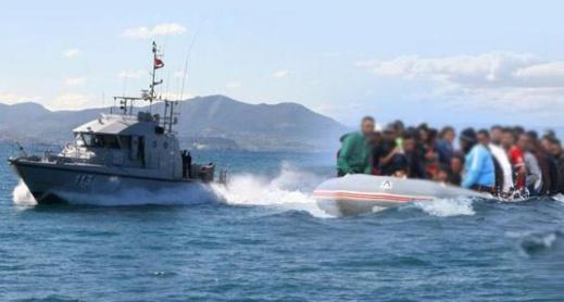 البحرية الملكية  تتدخل في عمليات متفرقة لانقاذ مهاجرين سريين