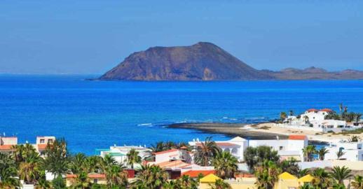 جزر الكناري تتوسل إسبانيا لحل الأزمة مع المغرب