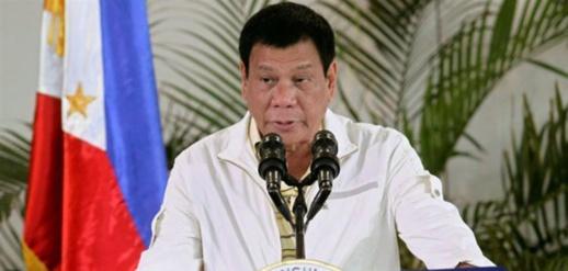 غريب... رئيس دولة يخير شعبه بين التلقيح أو السجن