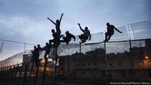 حزب اسباني يطالب بطرد المهاجرين من الثغور المحتلة