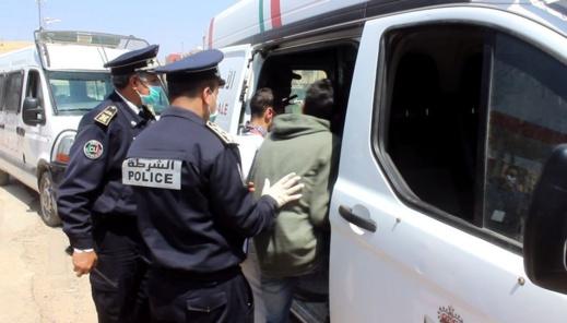 وقعا في قضبة الأمن.. عنصران من القوات المساعدة يسرقان محفظة نقود لسيدة