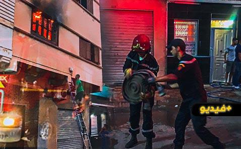 شاهدوا.. تماس كهربائي بسبب جهاز تلفاز يتسبب في اندلاع حريق مهول بشقة وسط الناظور
