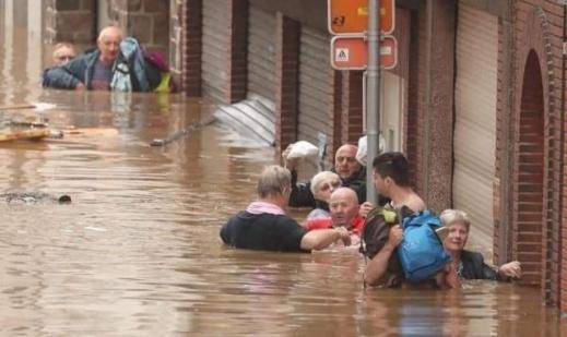 ارتفاع ضحايا الفيضانات بألمانيا لأزيد من 100 قتيل
