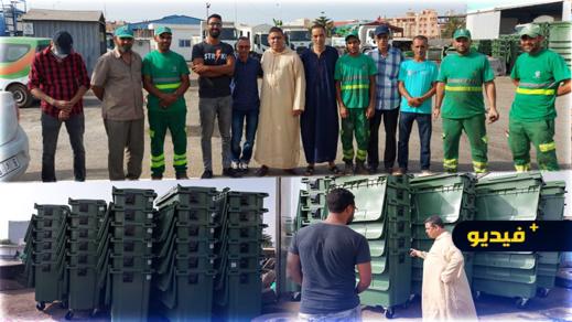 رفيق مجعيط يسهر على عملية جمع النفايات يوم العيد ويؤكد عن نجاح الإستراتيجية التي وضعتها الجماعة