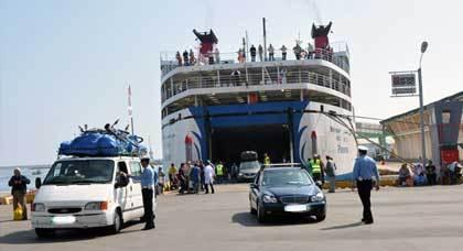 احتجاجات واضطرابات وفوضى... تندلع بميناء الناظور ومطار وجدة مع عودة الجالية إلى أرض الغربة