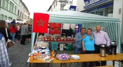 الجالية المغربية تشارك في مهرجان مدينة نيوي إزنبورج الألمانية