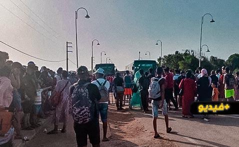 """شاهدوا.. الإزدحام داخل حافلات """"فيكتاليا"""" ينذر بكارثة وبائية بمدن الناظور"""