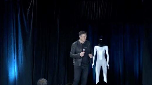 تسلا تطرح روبوتات من شأنها إحالة البشر إلى البطالة
