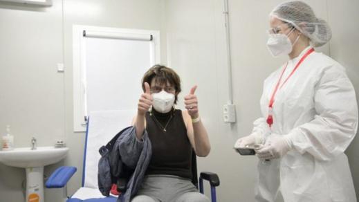 """الاتحاد الأوروبي يعلن عن تلقيح 70% من المواطنين ضد فيروس """"كورونا"""""""