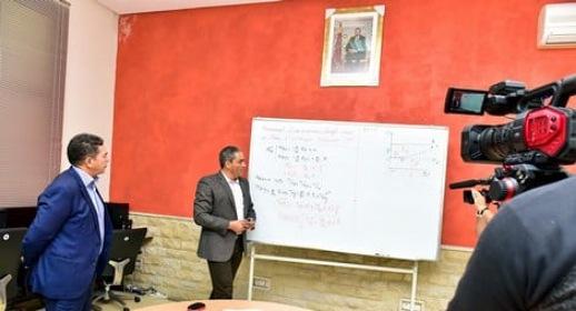 يهم التلاميذ.. وزارة التعليم تصدر قرارا جديدا يخص الدروس التلفزية