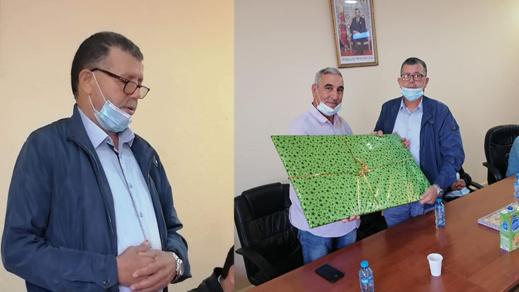 أطر وموظفي جماعة دار الكبداني  ينظمون حفل تكريم على شرف أحمد بهاك الرئيس السابق للمجلس