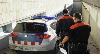الشرطة تعتقل رجلا مسنا أقدم على قتل مهاجر ريفي بمنطقة خيرونا