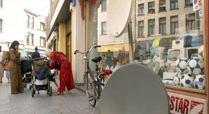 استطلاع رأي: 45 في المائة من المجتمع الفلمنكي يرفضون العيش مع مغاربة