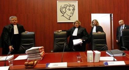 عرض قضية تخفيض التعويضات العائلية بنسبة 40% أمام محكمة أستردام