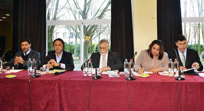 لجنة الحوار الوطني حول المجتمع المدني تحط رحالها بالعاصمة البلجيكية.