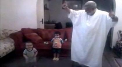 بالفيديو.. بنكيران يرقص ويصفق مع حفيده
