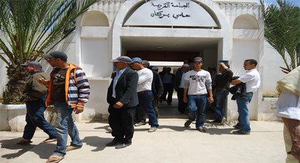 سكان حاسي بركان يطالبون بفتح شباك متنقل لاستخلاص فواتير الكهرباء