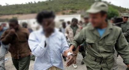 هْيُومَنْ رَايْتسْ وُوتشْ: الأمن المغربي يُعَنّف ويَسْرِق المهاجرين الأفارقة بالناظور