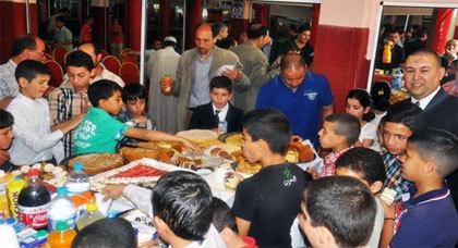 جمعية شباب الناظور تحتفي بأبطالها ومنخرطيها المتفوقين في حفل بهيج