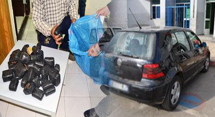 مواطن فرنسي يقع في قبضة رجال جمارك الحدود ببني انصار وهو محمل بــ 15 كلغ من مخدر الشيرا في سيارته