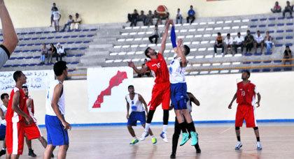 إثري الريف لكرة السلة يسحق إتحاد إمزورن بحصة 61 نقطة