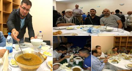 ريفيون ينظمون إفطارا جماعيا بمسجد السلام بفرانكفورت