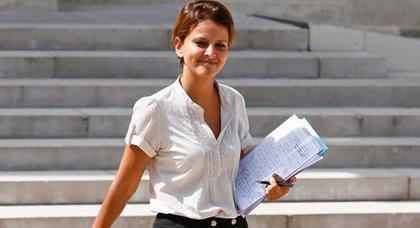 أغلبية الشعب الفرنسي راضون تماما عن أداء الوزيرة الريفية نجاة بلقاسم