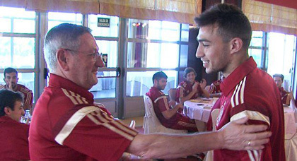 والد الريفي منير الحدادي يفجر الحقيقة : منير اختار ارتداء قميص المنتخب الإسباني لهذا السبب