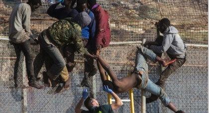 مرة أخرى.. 500 مهاجر حاولوا إقتحام مليلية