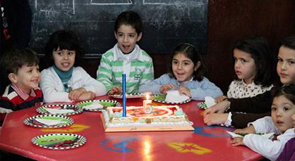 ريان ابن الزميل الإعلامي طارق الشامي يحتفل بعيد ميلاده الخامس وسط أصدقائه البراعم