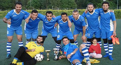 فريق يضم مهاجرين ريفيين بالسويد يفوز بدوري محلي بستوكهولم