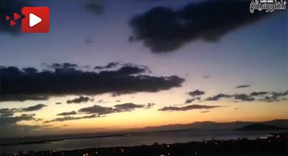 فيديو يوثق لمشاهد غاية في الروعة من سماء مدينة بني انصار