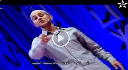 الفكاهي جمال أروبالو يبدع في مقطع كوميدي حول واقع المستشفى الحسني بالناظور