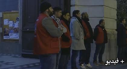 في مبادرة راقية.. مسلمون يقومون بحماية كنيسة خلال قداس عيد الميلاد بفرنسا