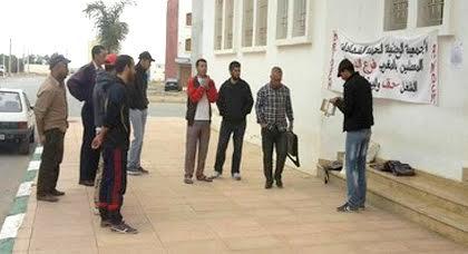 الدريوش.. معطلوا الفرع المحلي يدفعون باستمرار احتجاجاتهم إلى حين الإستجابة لمطالبهم بالشغل