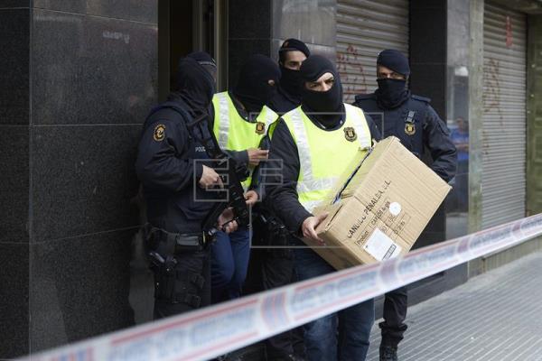 اعتقال شابة مغربية بعد تمجيدها للإرهاب في برشلونة