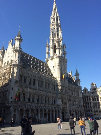 صور.. أفضل الوجهات السياحية في العاصمة البلجيكية بروكسل