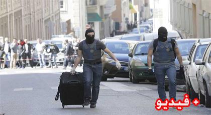 """العثور على أسلحة وراية تنظيم """"الدولة الإسلامية"""" في شقة المعتقلان بمدينة مارسيليا الفرنسية"""