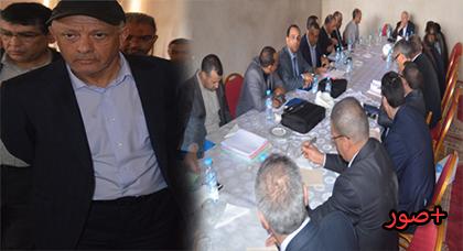 مهيدية يستشيط غضبا في اجتماع مع مسؤولين عن مشروع المستشفى الإقليمي للدريوش ويحذرهم من مغبة التهاون