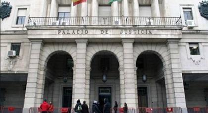 مثير.. القضاء الإسباني يتدخل ويقرر إبعاد فتاتين من أبناء الجالية عن والديهما