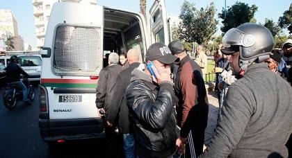 غريب.. اعتقال ناشط ريفي بالدار البيضاء بعدما كان يقل عائلة لزيارة إبنها المعتقل بسجن عكاشة