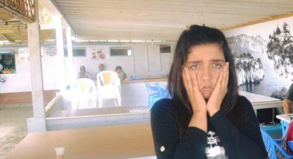 والد سيليا: إبنتي منهكة ومنهارة لم تقوى حتى على الوقوف أمامي عند زيارتها اليوم في السجن